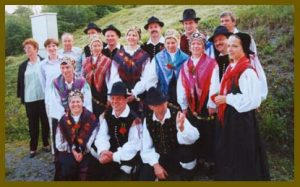 Folklorna skupina Grof Blagaj leta 2000